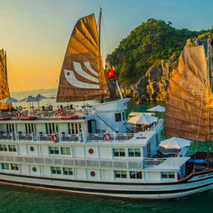 Bhaya Classic Cruise - Halong Bay